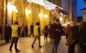 Los 'chalecos amarillos' obligan a intervenir a la Policía en Oviedo