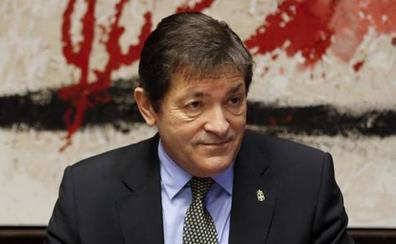 Fernández ve «necesario» el estatuto de la industria, pero pide más concreción