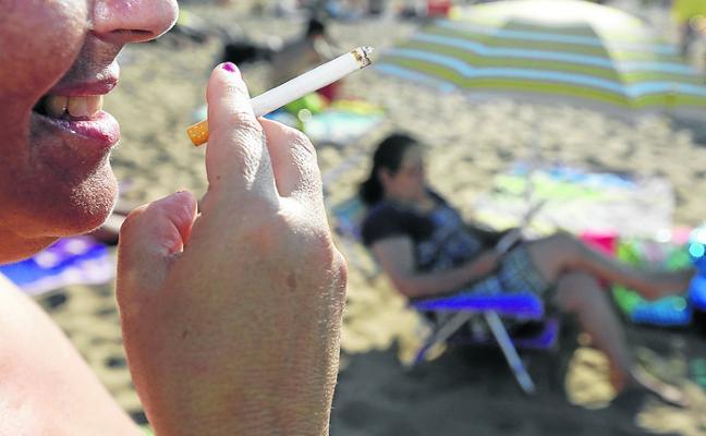Asturias ensayará el próximo verano en dos arenales el proyecto de 'playas sin humo'