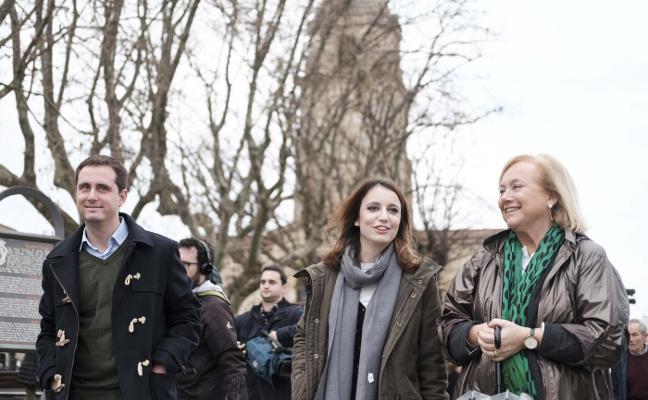La secretaria de Estudios del PP hace un guiño a Fernández como candidata en Asturias