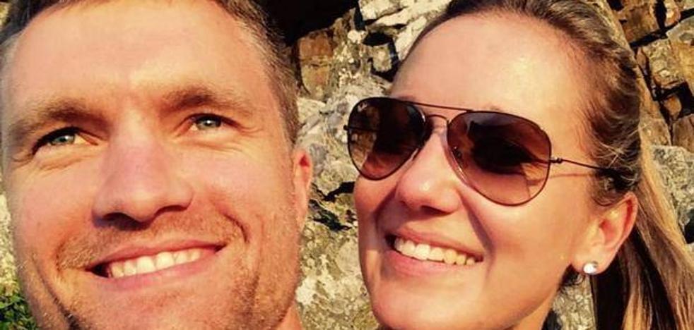Muere el día de su cumpleaños al caer por un acantilado mientras su marido intentaba sacarle una foto