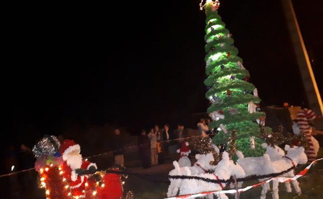 Navidad reciclada y artesanal en San Martín de Laspra