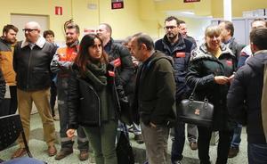 CC OO de Gijón exige, con un encierro simbólico en el Inem, una solución urgente para la Casa Sindical