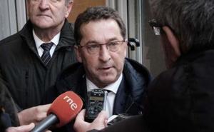 El consejero de Educación pide al rector que deje «la cantinela» de la falta de financiación