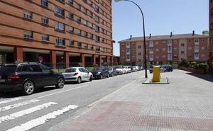Detenidos cuando intentaban robar un coche en Sabino Álvarez Gendín