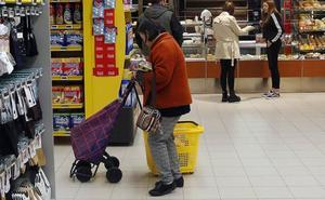 IU Asturias llama a secundar la huelga de supermercados y a no comprar esos días
