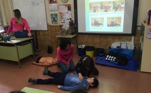 Los 191 escolares del colegio Alejandro Casona aprenden técnicas de reanimación