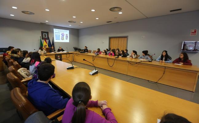Castrillón premia hoy a sus voluntarios en una gala centrada en los mayores