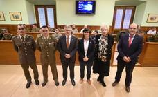 El liderazgo en la empresa y en el Ejército se alían en unas jornadas en la Universidad