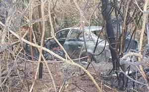 Un conductor herido al incendiarse su coche tras salirse de la A-8 en Novellana