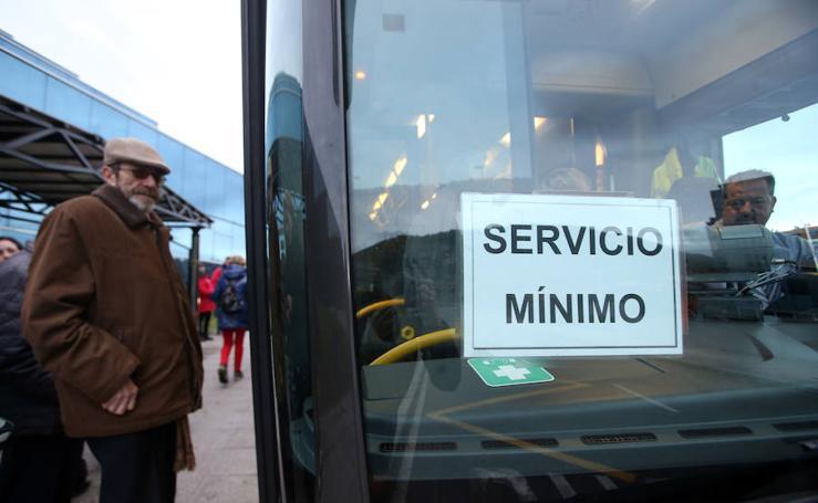 Los trabajadores de TUA convocan una manifestación frente a la estación de autobuses de Oviedo
