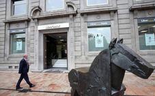 Liberbank y Unicaja caen en Bolsa tras dispararse ayer su cotización ante una posible fusión