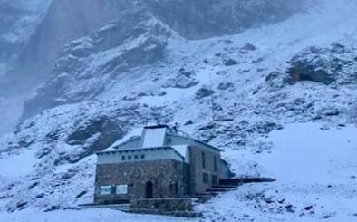 La montaña asturiana se cubre de blanco