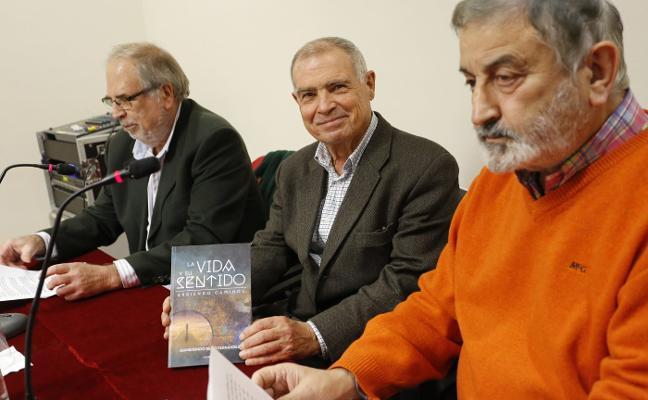 Gumersindo Rego presenta libro en Gijón