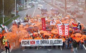 Trabajadores de Alcoa vuelven a la calle en A Coruña para exigir al Gobierno que «se active y busque una solución»