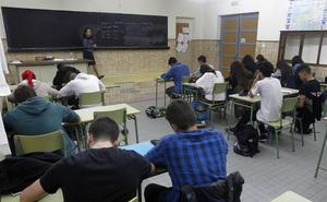 El Congreso aprueba el decreto que reduce a 18 horas la carga lectiva en institutos