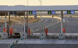 Las autopistas de peaje quebradas serán gratis de madrugada