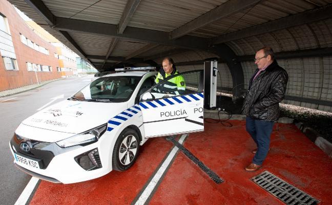 La policía portuaria estrena coche eléctrico