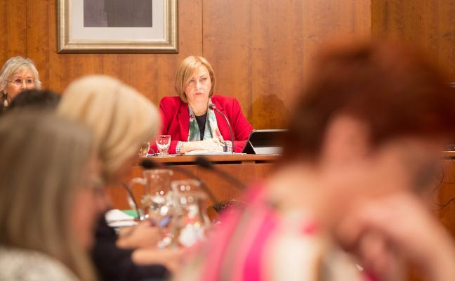 La alcaldesa destaca el «efecto positivo» de que haya presupuesto
