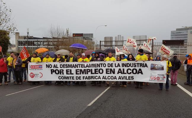 Las plantillas de Alcoa piden al Gobierno central que «intervenga» las factorías