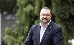 Adrián Barbón: «He pedido a Fomento que compense con bonificaciones la subida del peaje del Huerna»