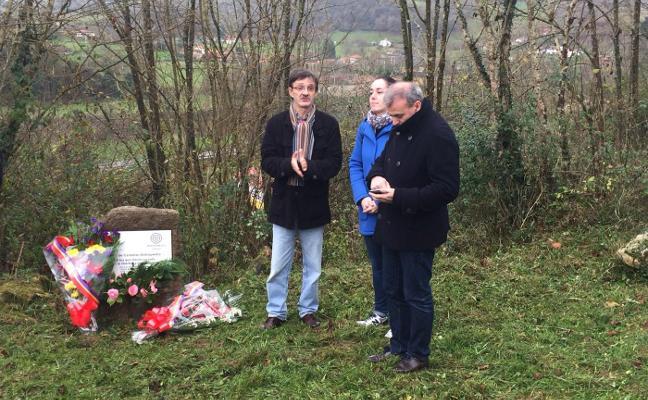 Homenaje a los cinco de Sobrepiedra en Parres