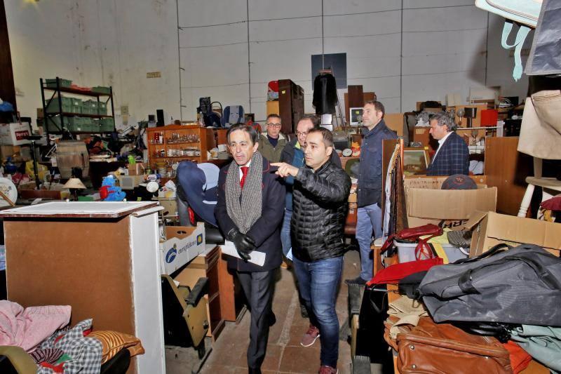 Trabajo comprueba en Gijón el estado de la Casa Sindical