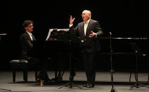 Joaquín Pixán reinventa la canción dialogada asturiana