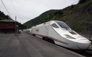Dos trenes afectados por el descarrilamiento de un mercancías en Pajares
