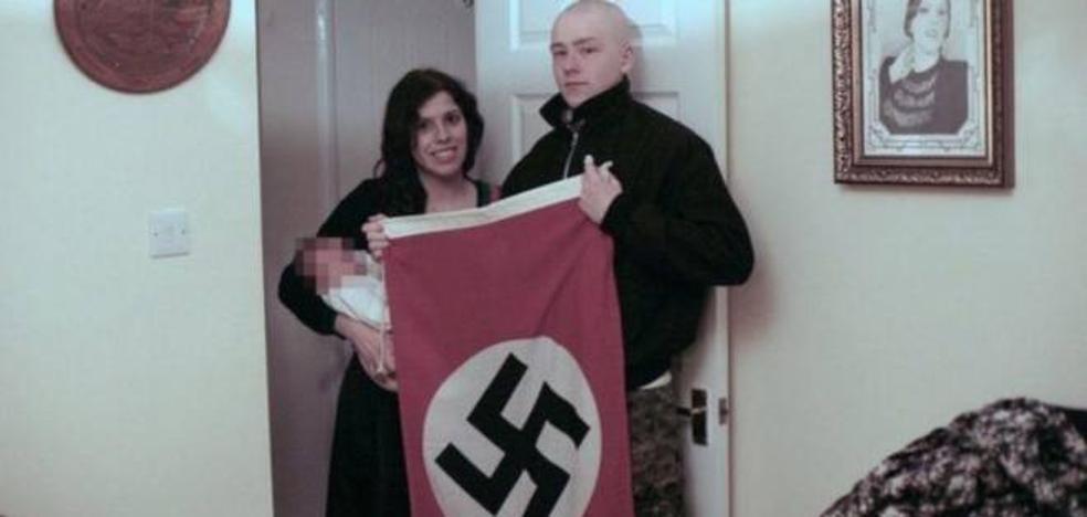 Condenados a cinco y seis años de cárcel por llamar a su hijo Adolf Hitler