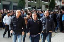 Concentración de los trabajadores de Hunosa a las puertas de la empresa