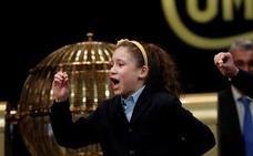 Lotería de Navidad 2018: Aya, la niña de los 'mil euros' más largos de la historia, da el Gordo