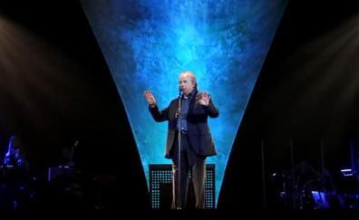 Serrat interrumpe un concierto al pedirle un espectador que cante en catalán