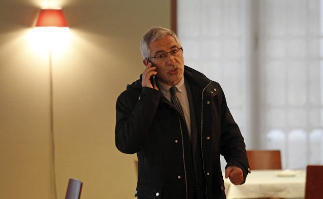Llamazares dimite de todos sus cargos en IU federal ante su «linchamiento»