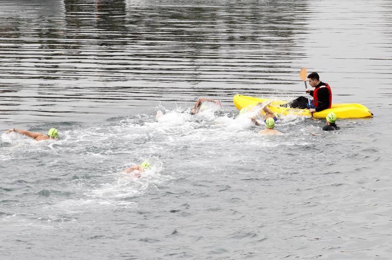 166 nadadores, en las aguas del Puerto Deportivo