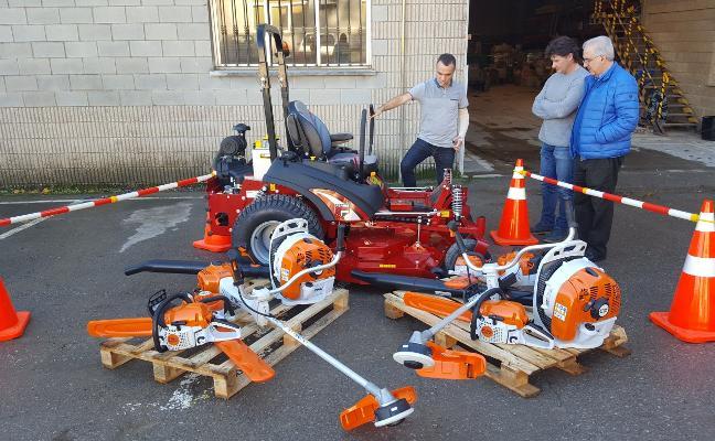 El Ayuntamiento de Corvera compra nuevas máquinas para el servicio de jardinería