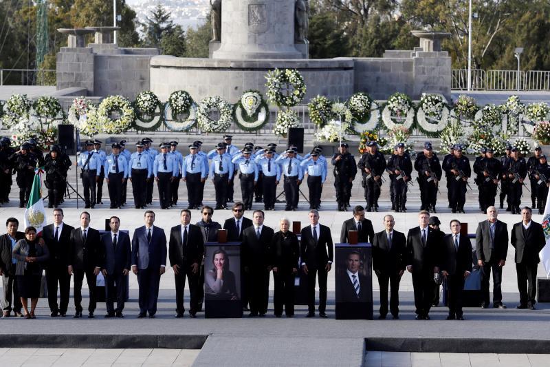 Homenaje a los políticos mexicanos fallecidos en un accidente de helicóptero