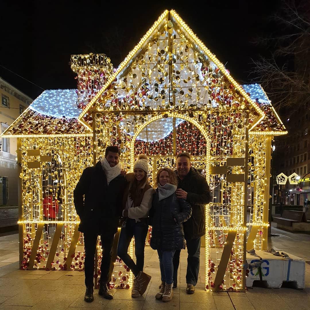 Paula Echevarría y Miguel Torres visitan Gijón en Navidad