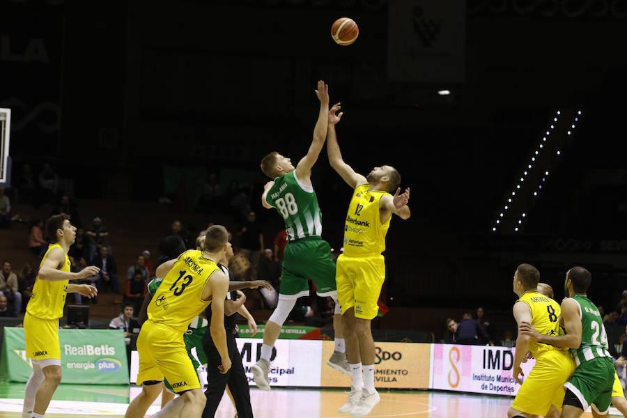 El Liberbank Oviedo Baloncesto cae ante el Real Betis