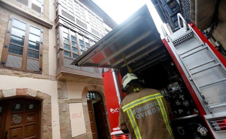 Incendio en una vivienda del Oviedo Antiguo