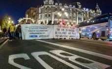 Los conductores de TUA amenazan con una huelga indefinida en enero