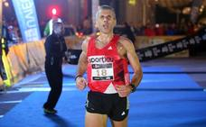 El paralímpico Alberto Suárez se corona en la carrera de Oviedo