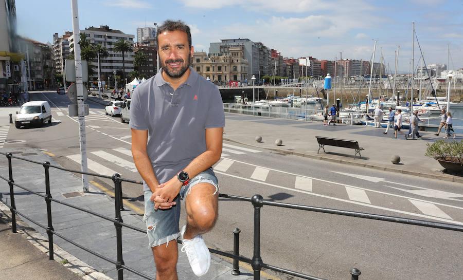 Juanma Castaño critica en Twitter la «falta de civismo y educación» que hubo tras la fiesta de Nochevieja en Gijón