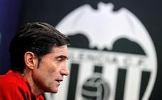 Marcelino: «Afrontaremos el partido ante el Sporting con la única mentalidad de ganarlo»
