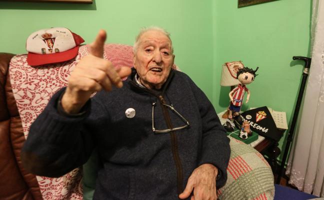 Puche dispara su última foto a los 96 años