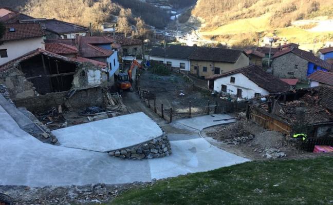 Retoman las obras en el argayo de La Cortina para rematar el refuerzo del talud