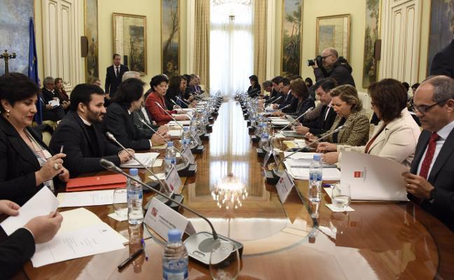 Asturias reclama a la ministra más financiación para la escuela rural y la etapa de 0 a 3 años