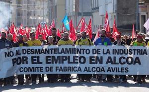 Los trabajadores rechazan «rotundamente» la oferta de Alcoa y le instan a ceder las plantas al Gobierno