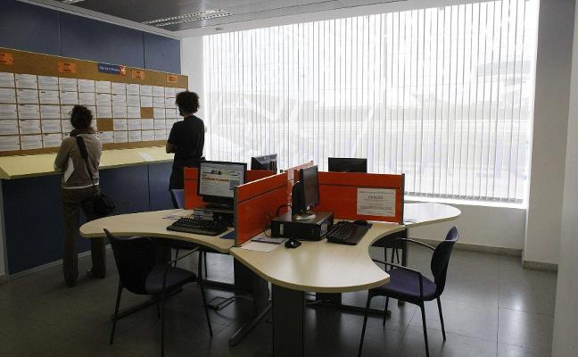 Avilés suma 600 mujeres paradas en diez años mientras el desempleo masculino se mantiene