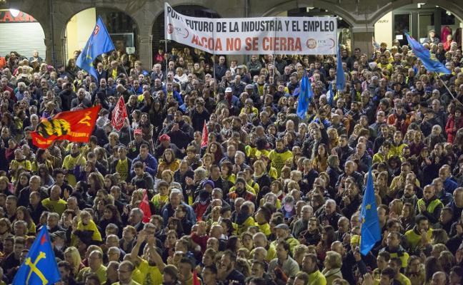 Los trabajadores rechazan la propuesta e instan a Alcoa a ceder las plantas al Estado
